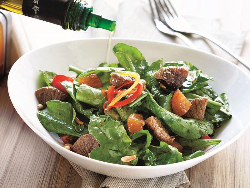 Kuru Meyveli Kuzukulağı Salatası