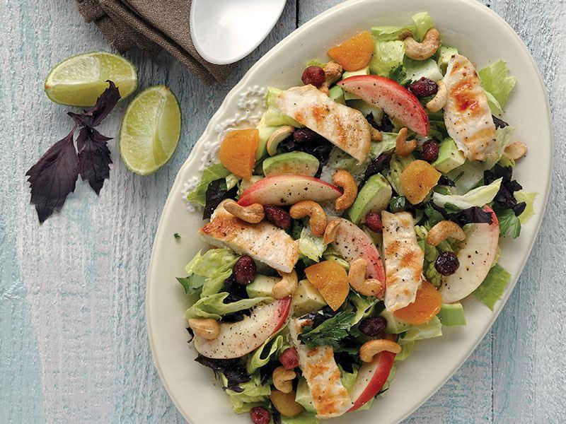 Kuruyemişli Yaz Salatası