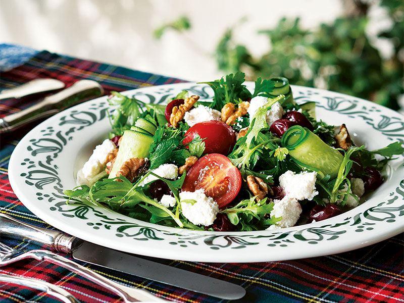 Lorlu yeşil salata