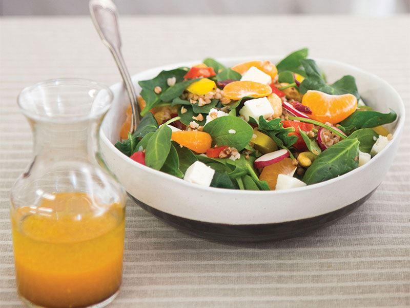 Mandalinalı ve karabuğdaylı kuzu ıspanak salatası