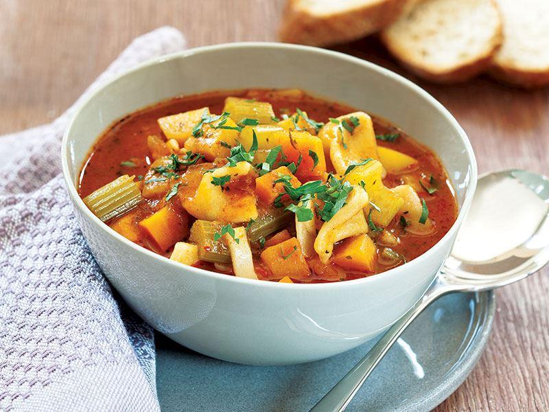 Mantılı Sebze Çorbası