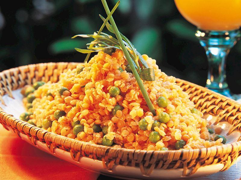 Mercimek Ve Bezelye Salatası