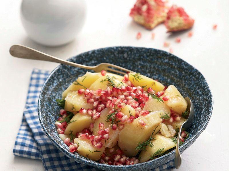 Narlı patates salatası