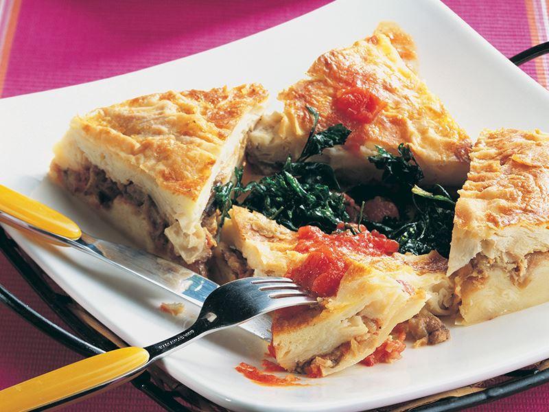 Patlıcanlı Ve Soğanlı Börek