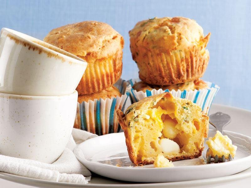 Peynirli ve sarımsaklı muffin