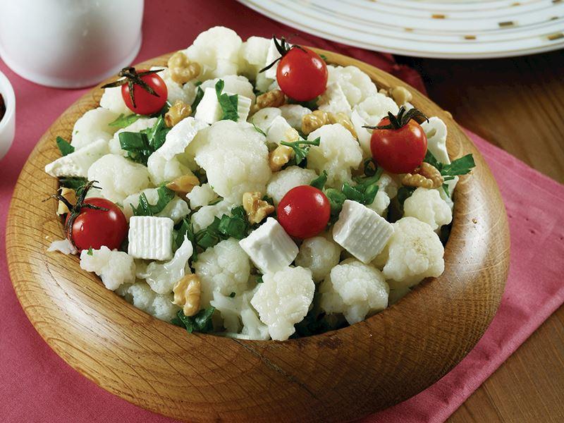 Peynirli Karnabahar Salatası