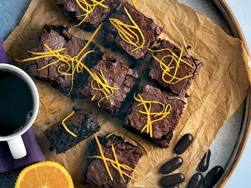Portakallı ve kakuleli brownie