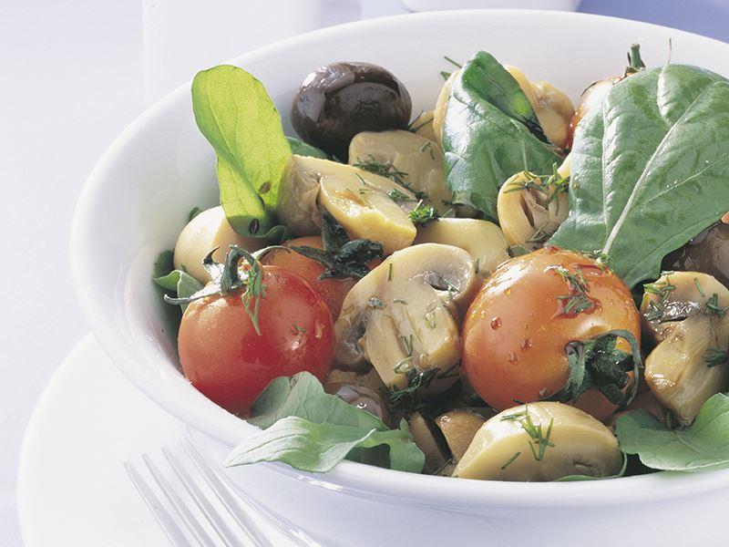 Rokalı Mantar Salatası