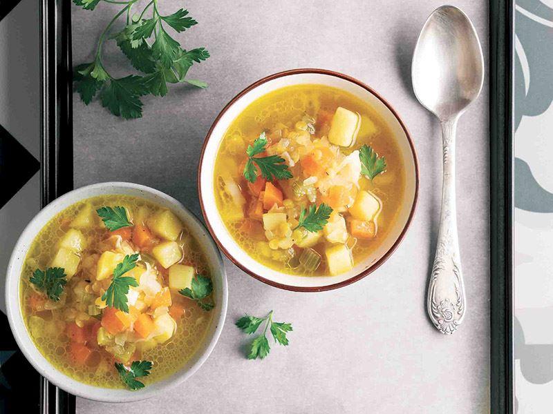 Sarı mercimekli sebze çorbası