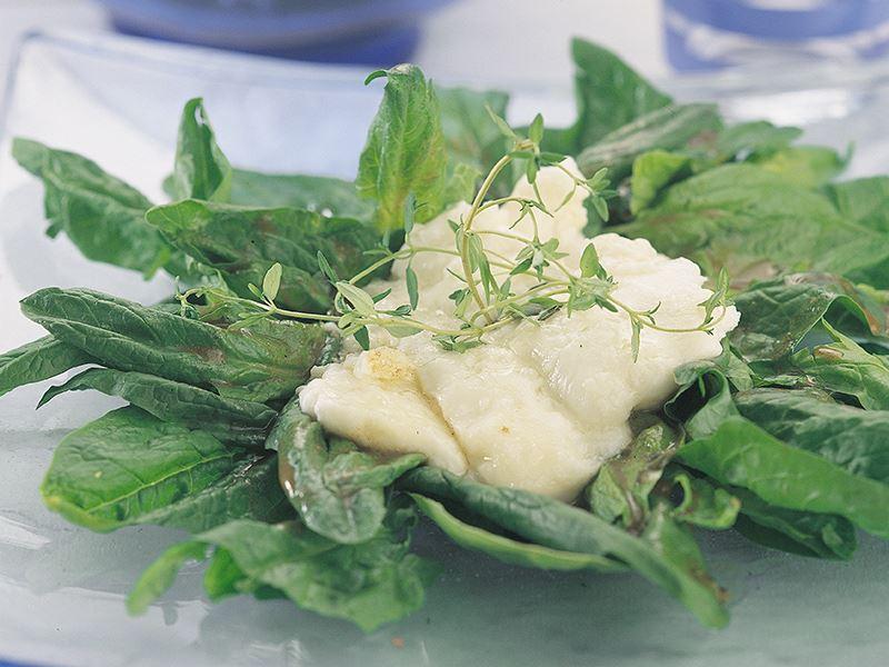 Sıcak Keçi Peynirli Ispanak Salatası