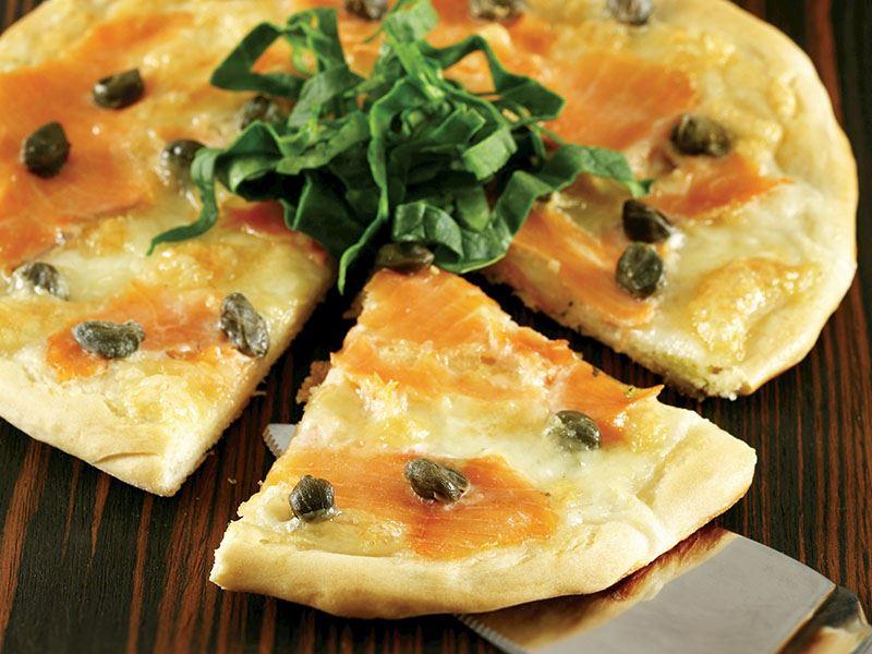 Somonlu Ve Kaparili Pizza