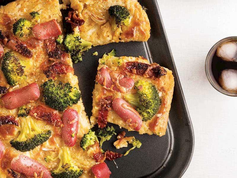 Sosisli brokolili mısır unlu tart