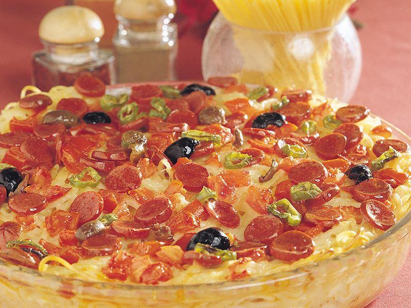 Sosisli Makarna Pizza