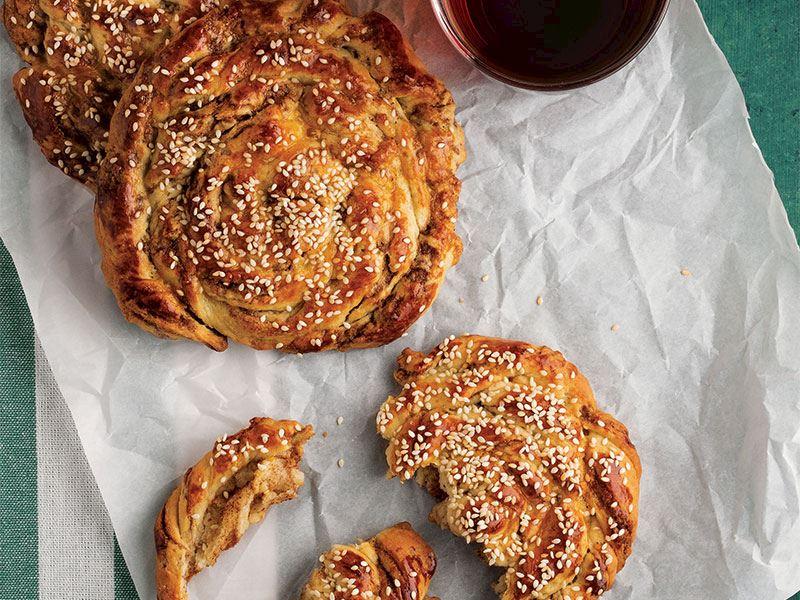 Tahinli ve tarçınlı çörek
