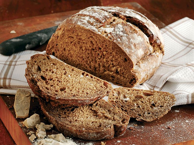 Tam Buğday Unlu Ve Çavdarlı Ekmek