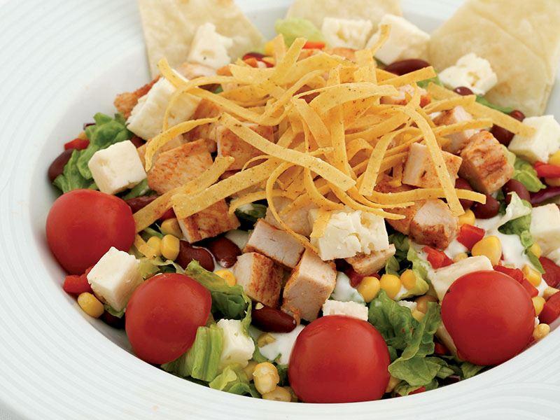 Tavuklu Ranchero Salatası