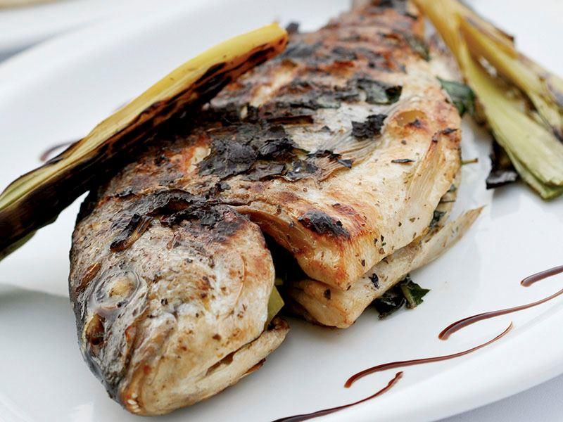 Taze Otlu Çipura Balığı