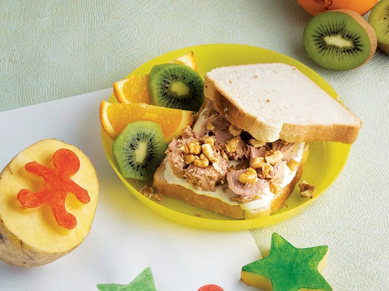 Ton Balıklı Ve Krem Peynirli Sandviç