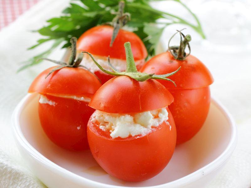 Tulum peynirli domates dolması