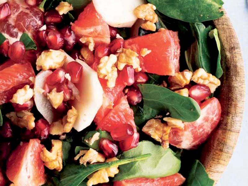 Yer elması ve greyfurt ile ıspanak salatası
