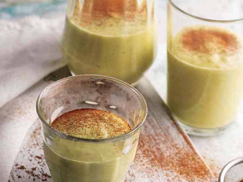 Yeşil sağlıklı smoothie
