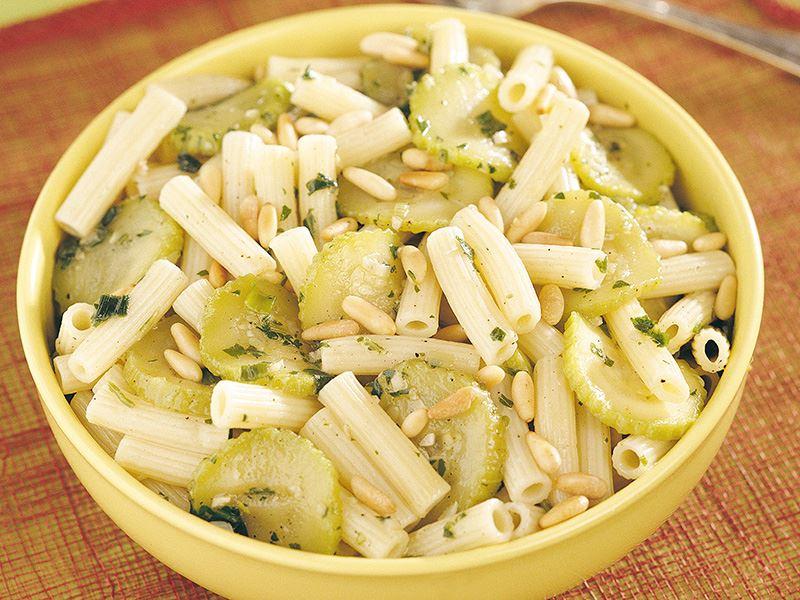 Yeşil Sebzeli Makarna