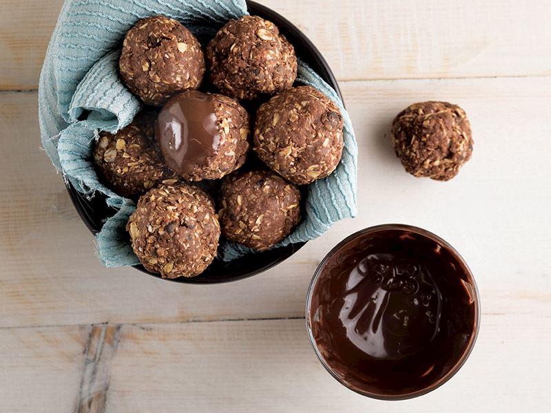 Yulaflı çikolata topları