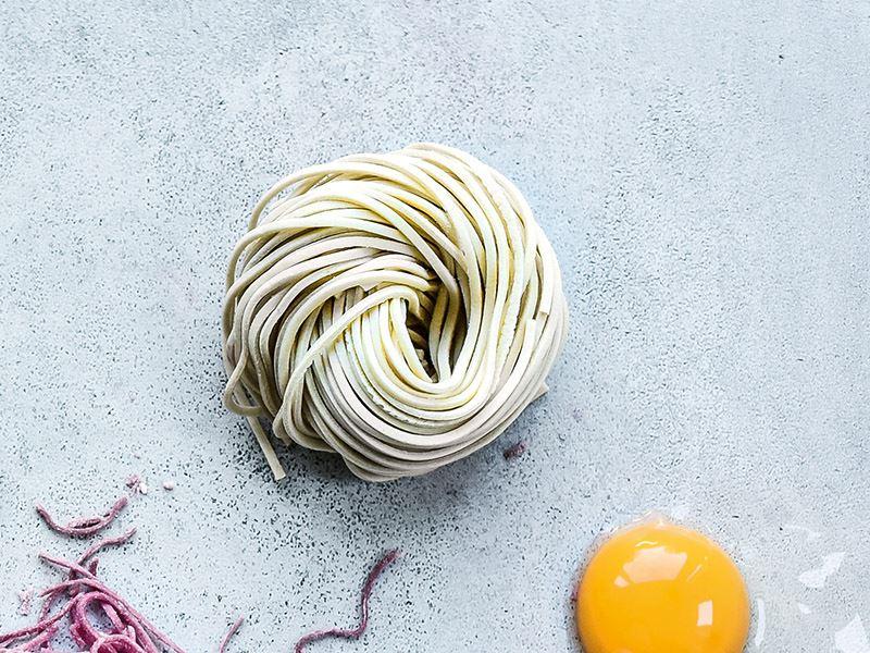 Yumurtalı sade spagetti hamuru