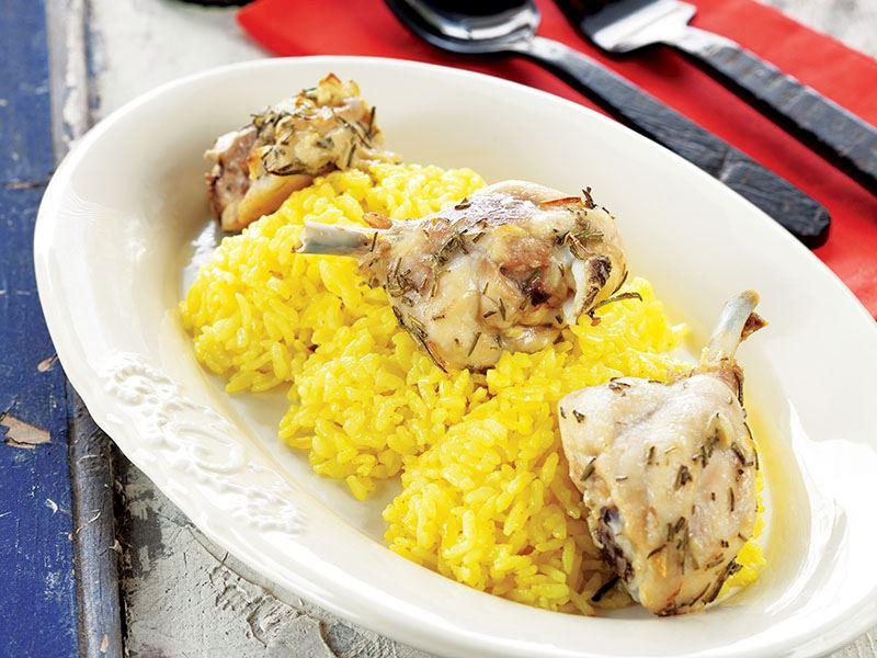 Zerdeçallı Pilavlı,Taze Otlu Tavuk Eti