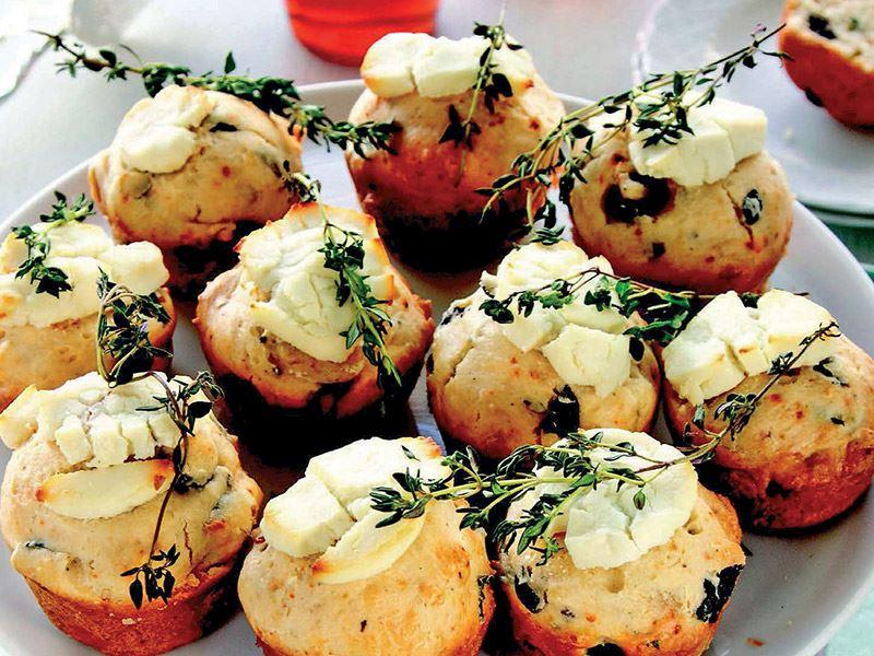 Zeytinli ve kekikli muffin