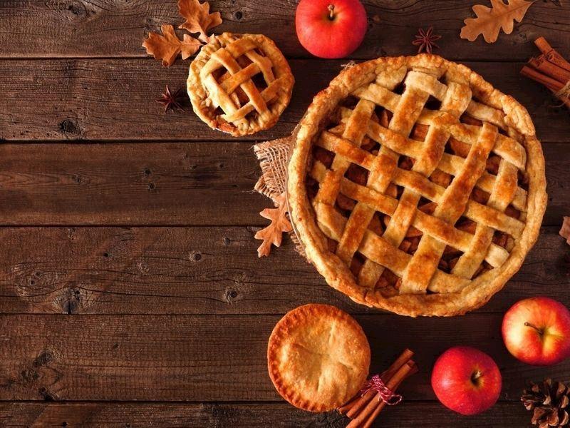 Elmalı Tatlılar: Birbirinden Pratik, Farklı ve Nefis 15 Elmalı Tatlı Tarifi