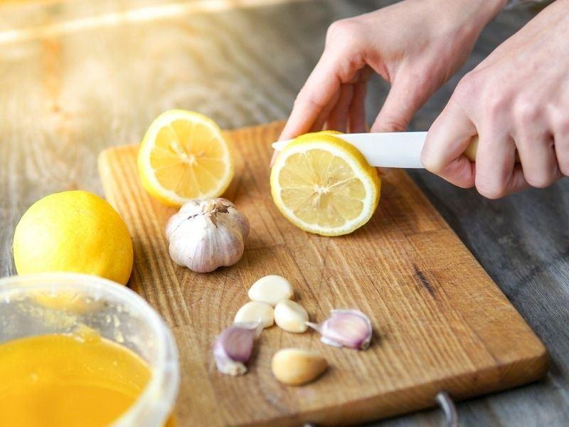 Limon Sarımsak Kürü Nasıl Yapılır, Faydaları Nelerdir?